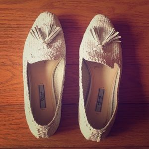 White loafers size 37